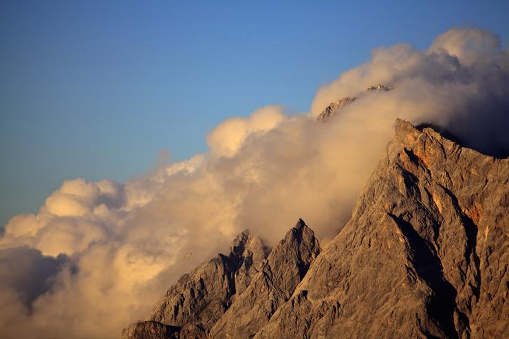 Zugspitzgipfel in Wolken