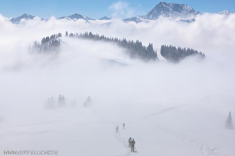 unerwarter lichtet der der nebel, blick in die tannheimer berge