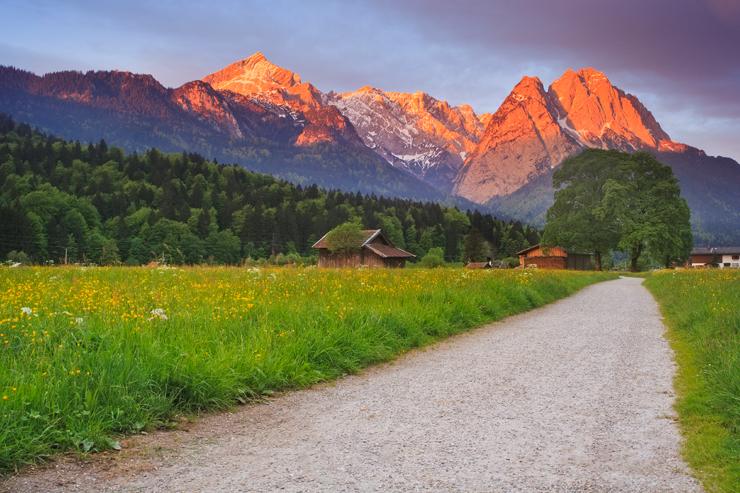 Donnerstag: Blick auf Alpspitze und Waxensteine