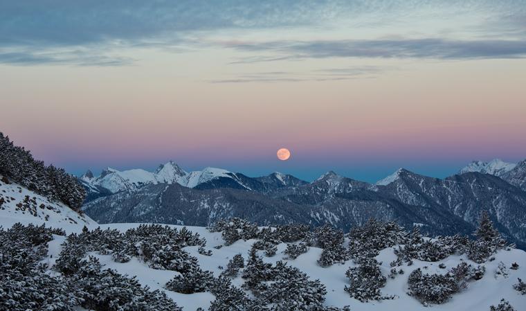 Mondaufgang über den Ammergauer Alpen